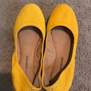 Yellow gold Lucky Brand flats